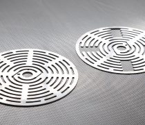 valve plates 5