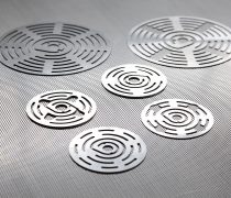 valve plates 7